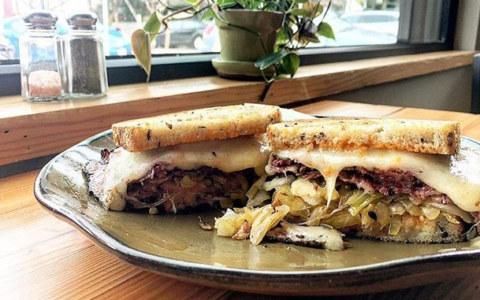 brisket_sandwich